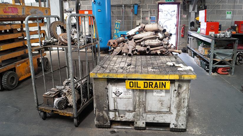 car recycling car fluid drain