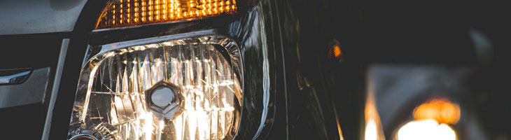 Damaged Cat S car headlight