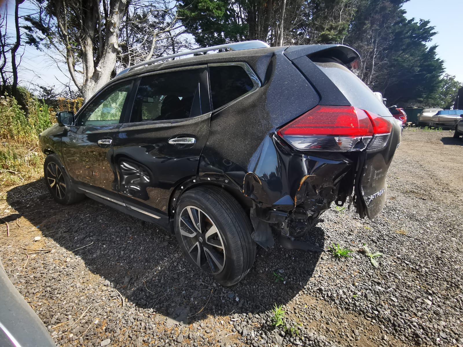 Damaged car collected by Fareham team